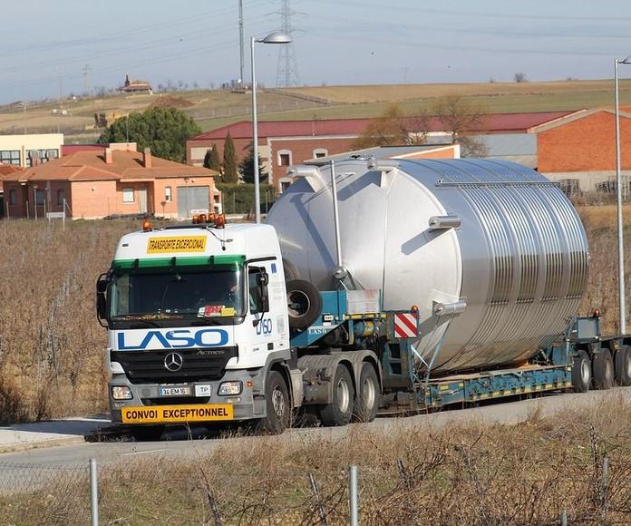 Depósitos de acero al carbono: Servicios de Luvimetal