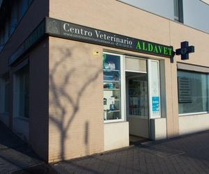 Fachada de nuestro centro veterinario en Rivas