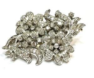 Broche doble clip floral de brillantes y platino.