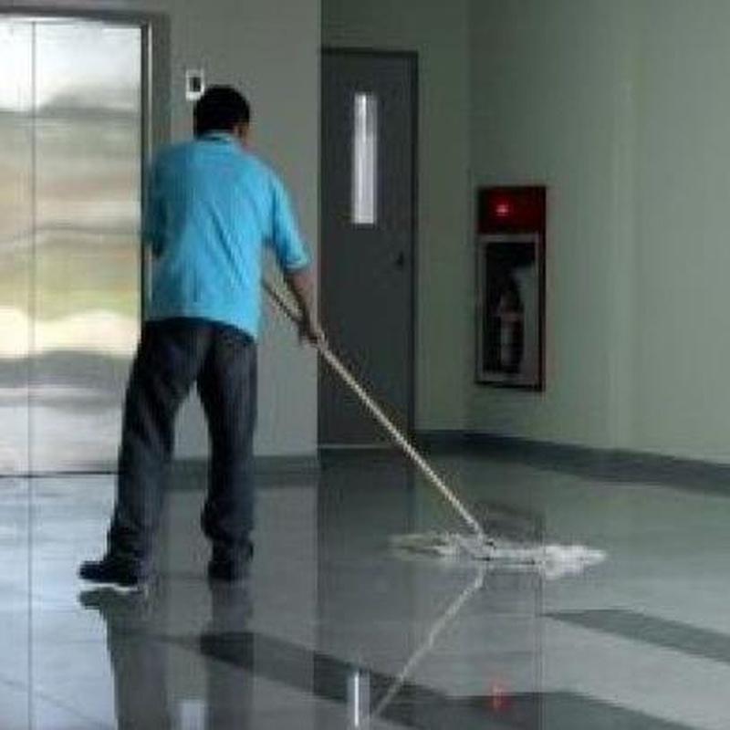 Limpieza de comunidades: Servicios de Limpiezas Manso