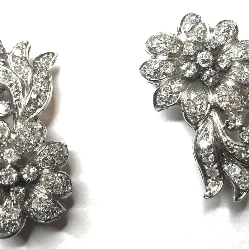 Broche doble clip floral de brillantes y platino. Ref. A-13969: Catálogo de Antigua Joyeros