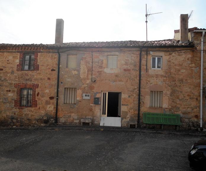 Casa Villanueva de Puerta: Venta y alquiler de inmuebles de Inmobiliaria Renedo