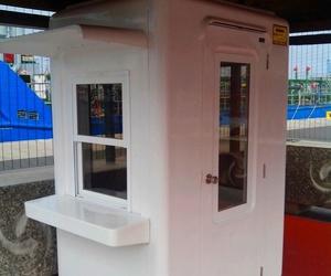 Cabina 1,50 x 1,20m con repisa y visera control entrada