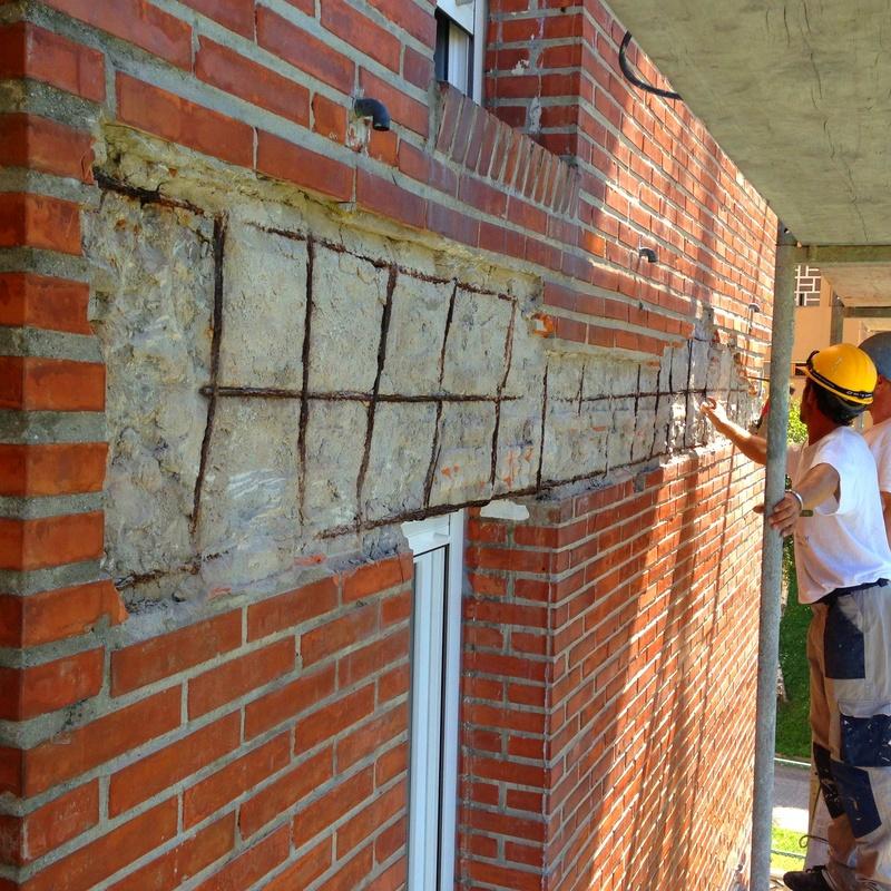 Reparación de la hoja exterior de fachada de ladrillo caravista.