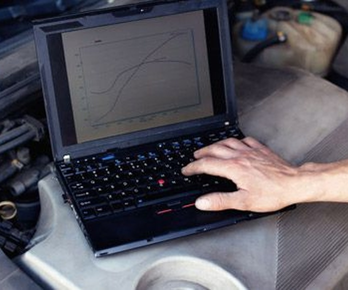 Electromecánica: Reparación del automóvil de Talleres FM y Talleres Tecnoauto