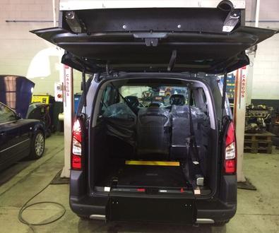 Nuevo rebaje de piso entregado por Cabal Automoción, líder en adaptación de vehículos en Asturias.