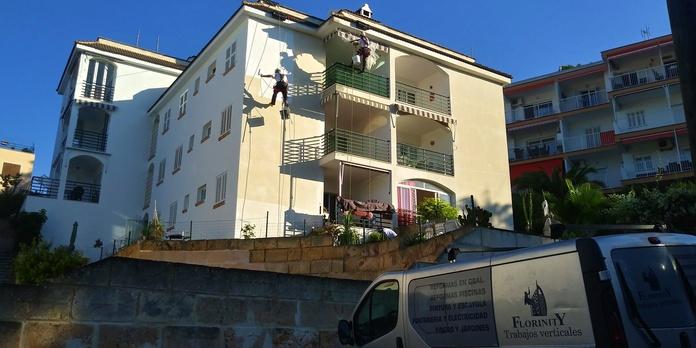 Pintura de fachadas: Servicios de Trabajos Verticales Florinity