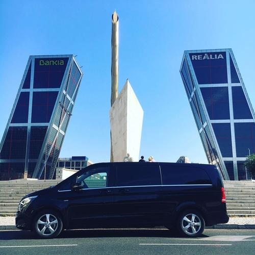 Alquiler de furgoneta de lujo con conductor en Madrid