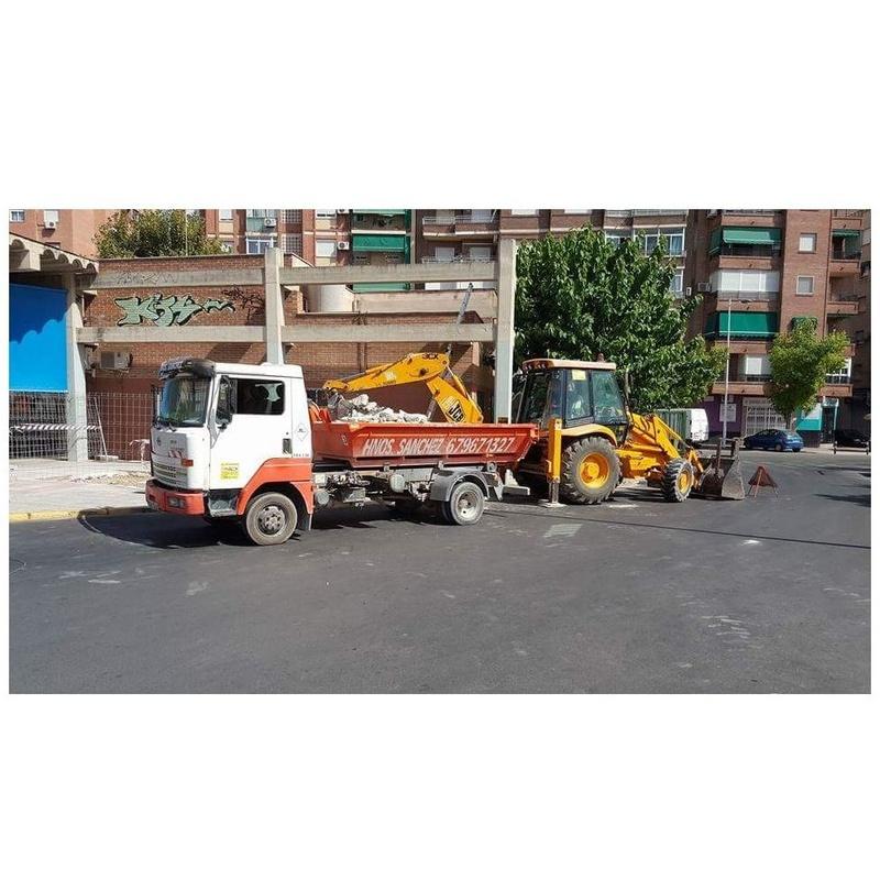Contenedores: Servicios de Hnos Sánchez Excaycon s.l.u.