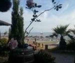 Situados en la Playa Cantarrijan