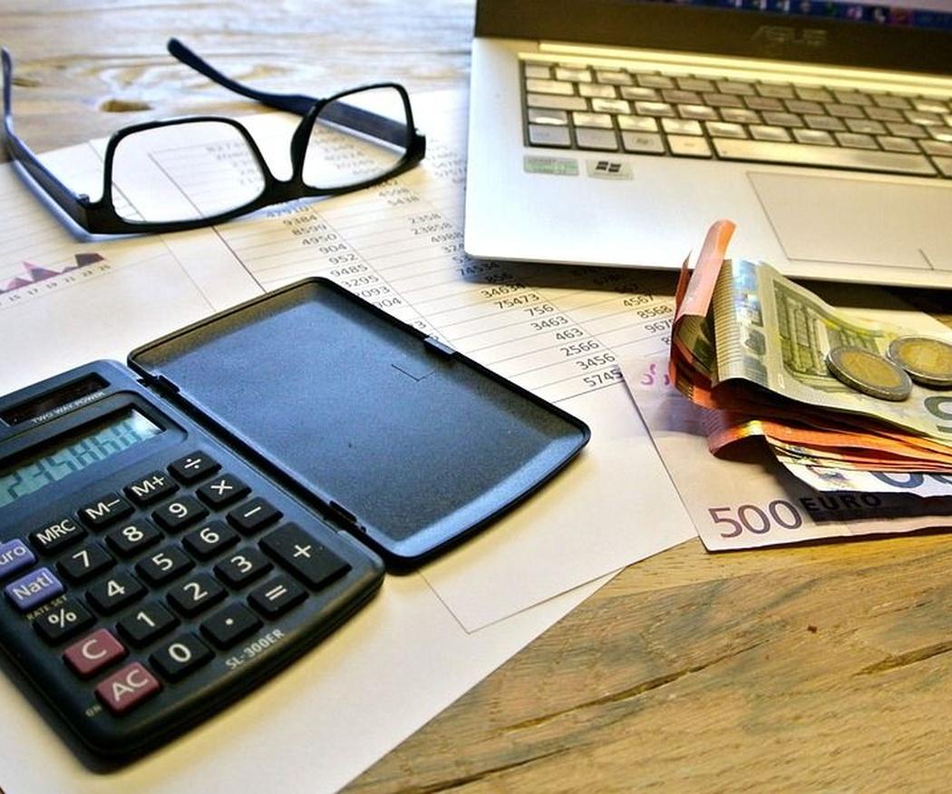 Cómo calcular los impuestos que debo pagar por mi actividad empresarial