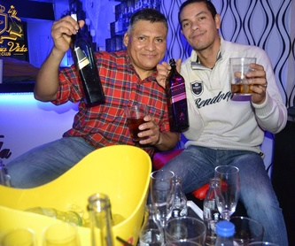 Música latina: Servicios de La Buena Vida Lounge Club