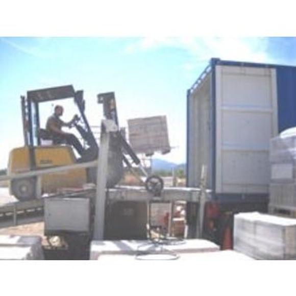 Carga de contenedores: Servicios de Lotrammsa