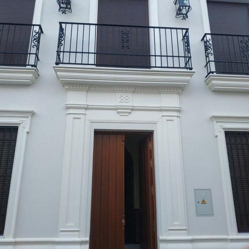 Restauración de fachadas en Sevilla | Modekons Prefabricados