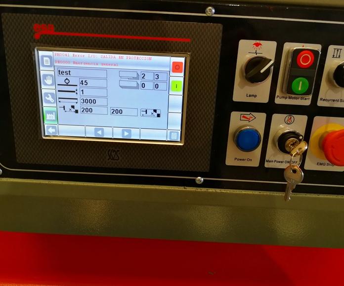 Plegadora y cizalla de última generación con control numérico para alta calidad y precisión en plegado de piezas o perfiles compuestos por chapa de diferentes espesores.