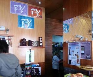 Comer pintxos Vitoria|Bar de tapas en Vitoria | Cafetería Bayona| bocatería Vitoria|hamburguesería en Vitoria|