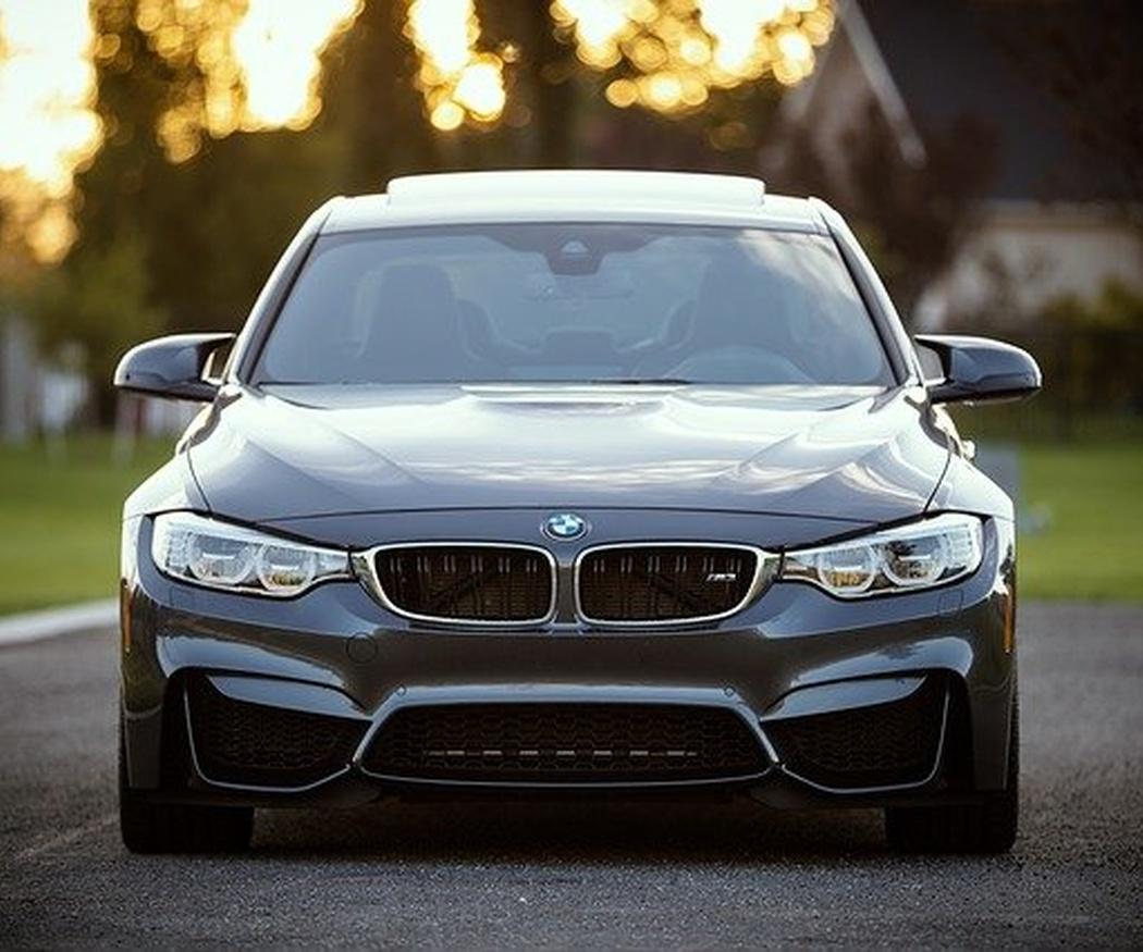 ¿Debo realizar un contrato para adquirir un vehículo de garantía?