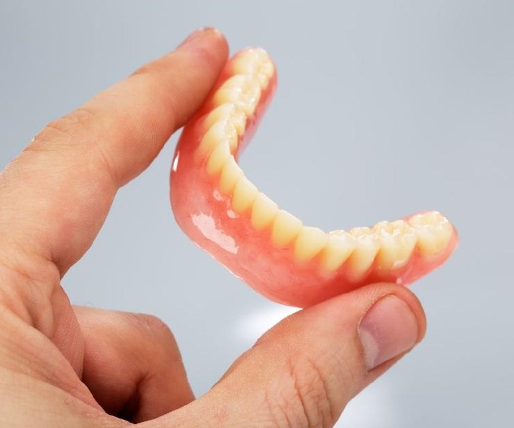 ¿Qué sabes sobre las prótesis dentales?