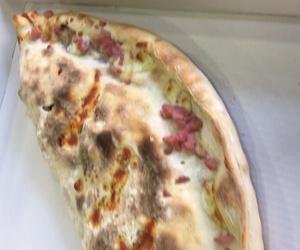 Pizzas artesanas en Cassa de la Selva: La Pizza Nostra