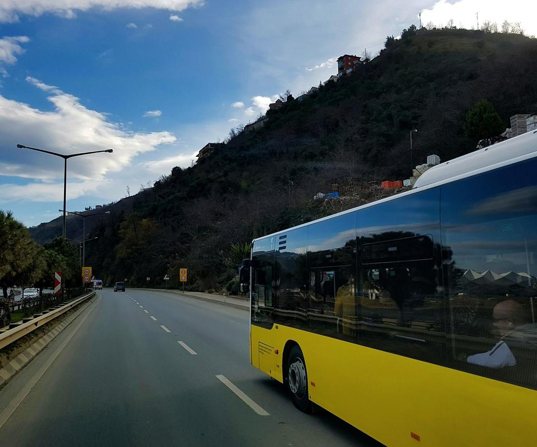 Ventajas de moverte en autocares alquilados en Valencia