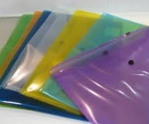 La utilidad de los sobres de plástico para documentos