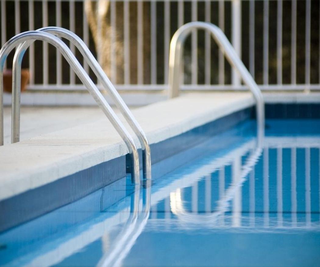 Elementos para aumentar la seguridad en las piscinas