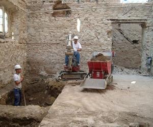 Demoliciones con miniexcavadora y manuales en Málaga