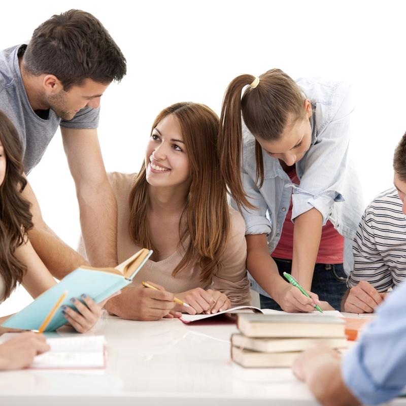 Adolescentes (13-18 años): Academia de idiomas de Bez's English Centre