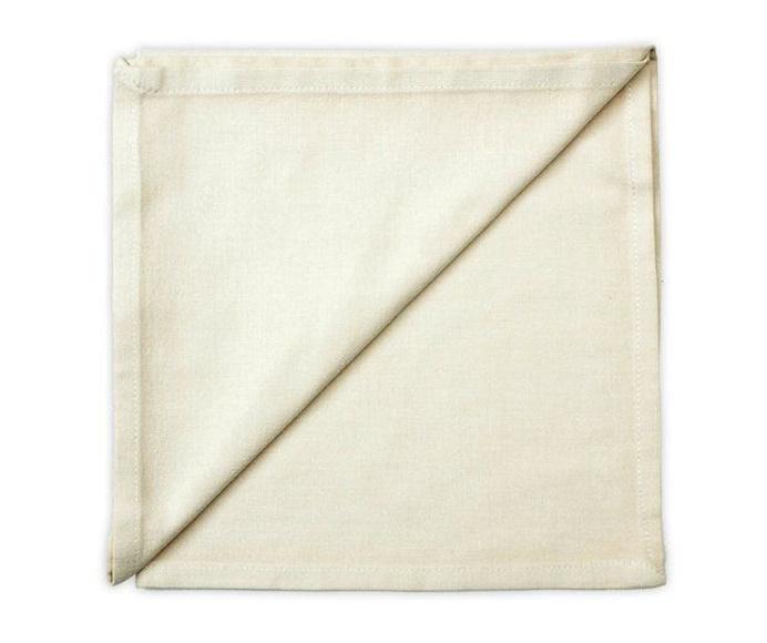 Servilleta color crema 50 cm x 50 cm: Alquiler de Mantelería & Menaje