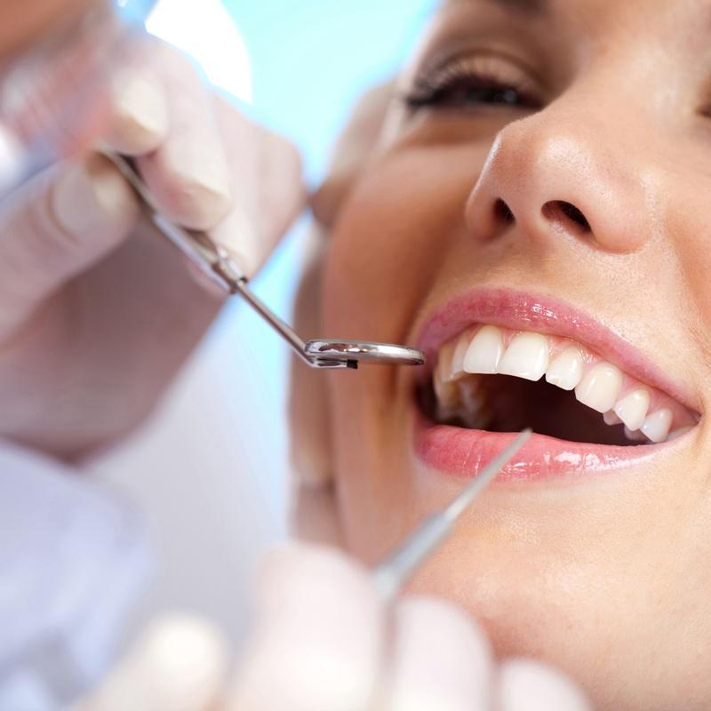 Odontología conservadora: Especialidades de Clínica Dental Villa Vigil y Asociados, S.L.