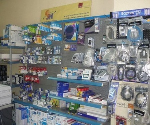 Venta de todo tipo de accesorios para móviles, tablets y ordenadores en Cáceres