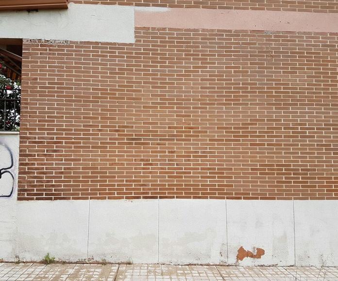 Fachada restaurada tras la limpieza del graffiti con chorreo de arena