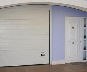 Puertas residenciales comunitarias