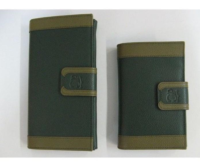 Monedero de piel verde: Productos de Zapatería Ideal Alcobendas
