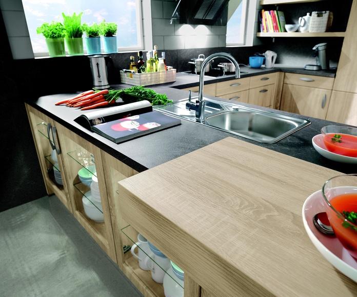 Mezcla moderna: PROYECTOS REALIZADOS de Diseño Cocinas MC