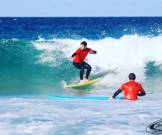 Rental of material: Services de Shock Wave Surf School