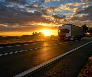 Transporte de maquinaria para construcción y obra publica