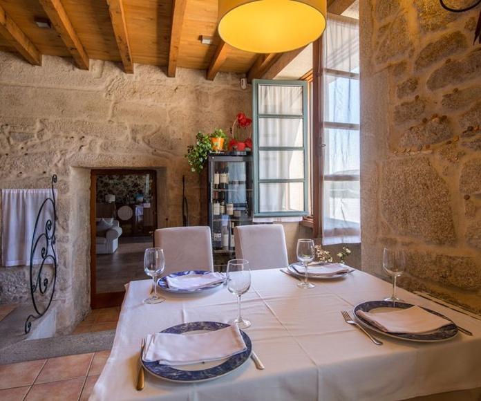 Vinos Tintos: Hotel Restaurante de Hotel Restaurante Asador de Roxos