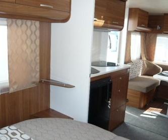 Camping Las Dunas: Servicios de Caravan Inn, S.L.
