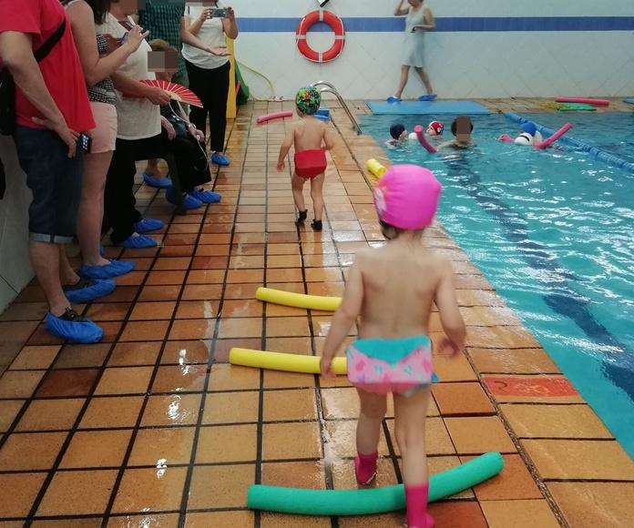 La Escuela Infantil Bilingüe Centro Vida hace fiesta en la piscina.