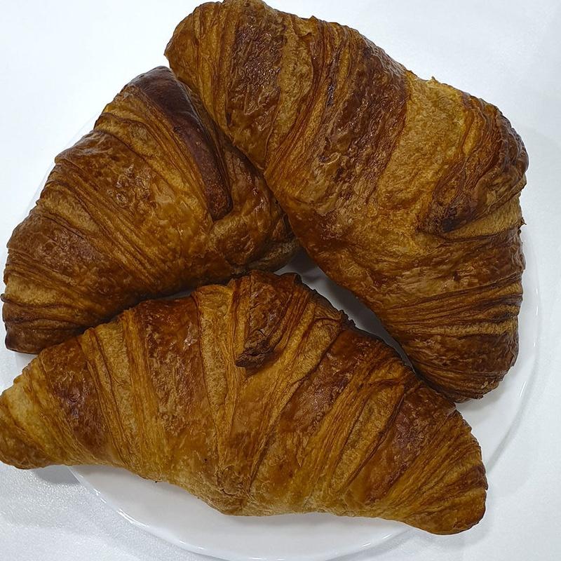 Croissant de mantequilla : Nuestros Productos de Pastelería Creativa Javier Ramos
