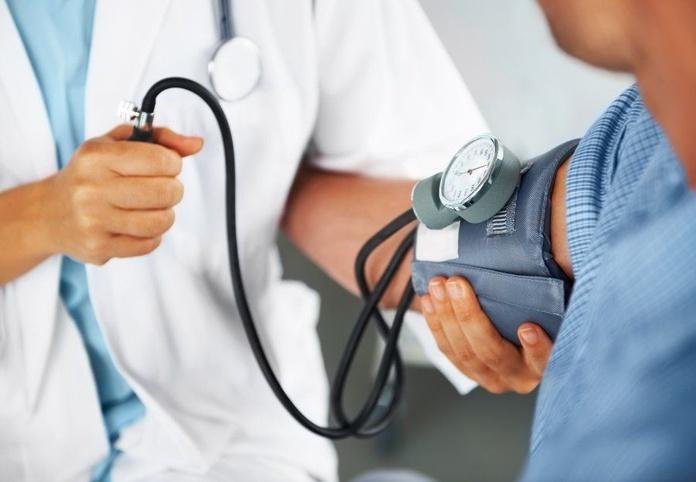 Control de tensión: Servicios de Farmacia Salado Luque