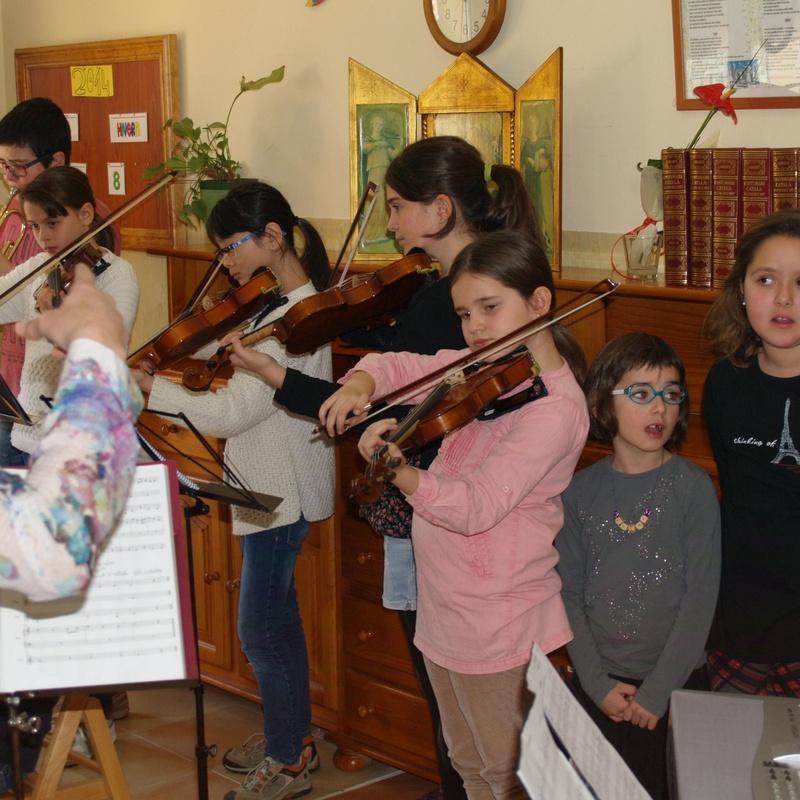 concert residència d'avis Rumy: Escuela de música i Expresión  de Can Canturri