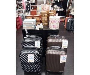 Venta de maletas en Sant Andreu (Barcelona)