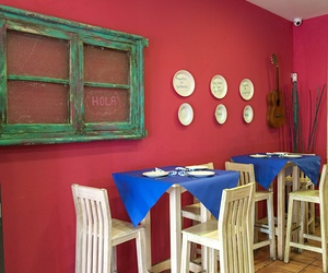 Restaurante con música en vivo en Triana: Lola Cazerola