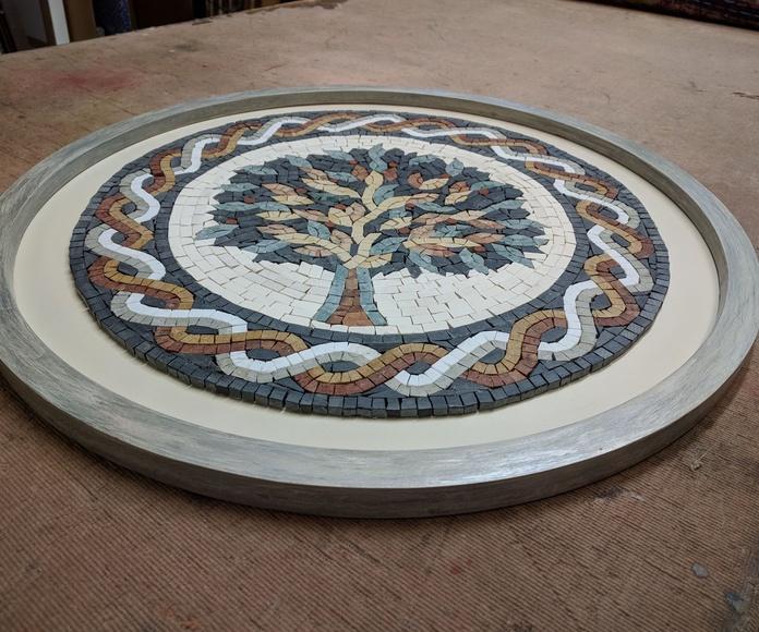 Marco circular decorado artesanalmente