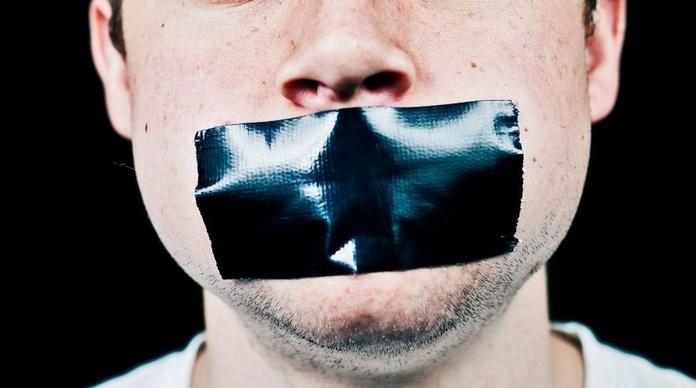 Dejar de hablarle a alguien como castigo