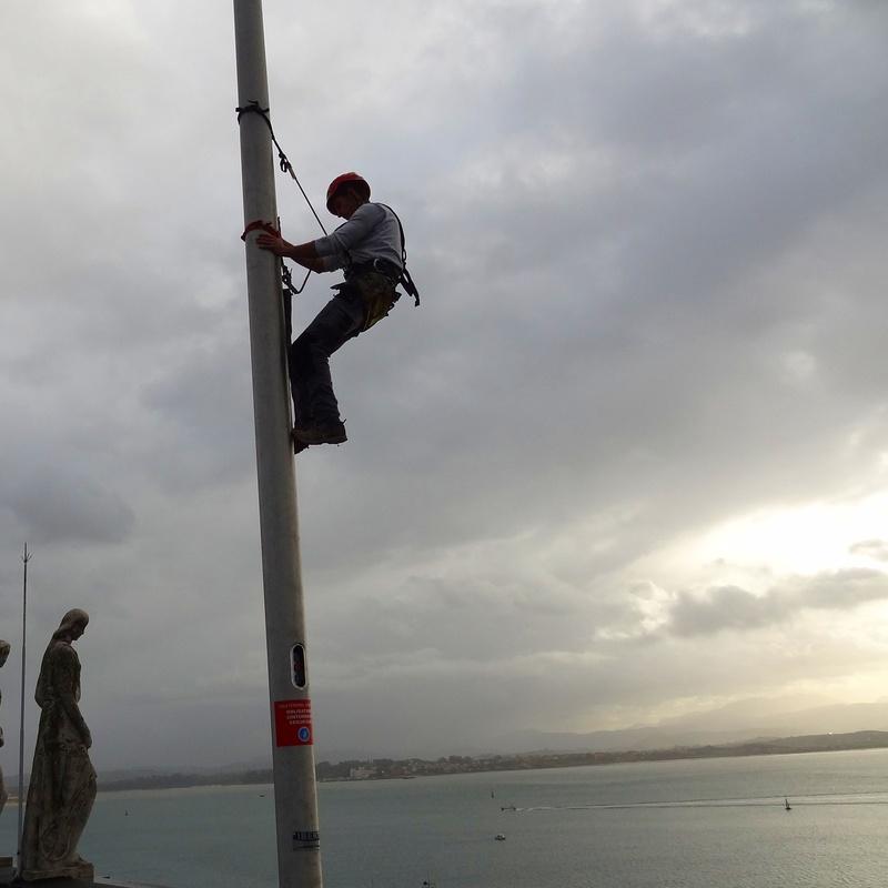 Instalaciones en altura en Santander.trabajos verticales Torrelavega.