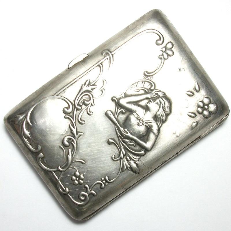 Pitillera Modernista de plata de ley (925) . Circa: 1900-1910 : Catálogo de Antigua Joyeros