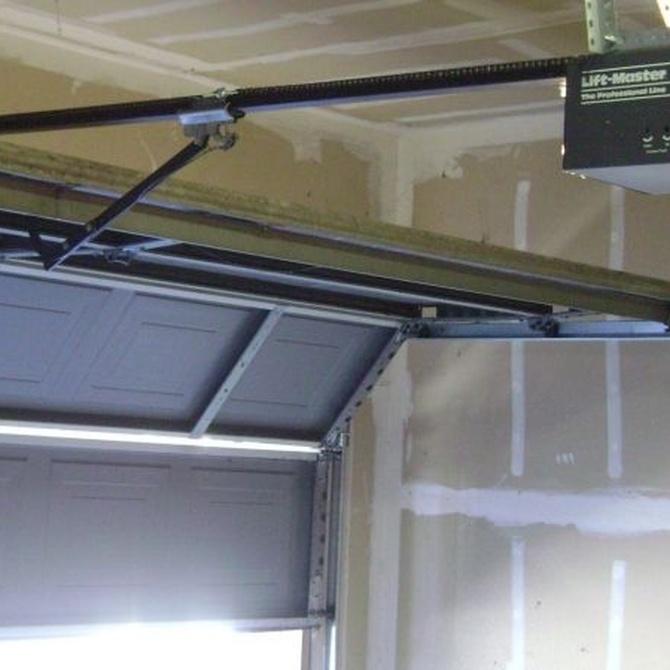 Puertas mecánicas adecuadas para tu cochera